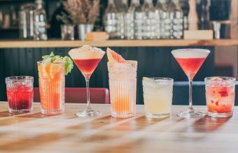 https://cf.ltkcdn.net/cocktails/images/slide/270179-850x547-nonalcoholic-drink-recipes-ideas.jpg