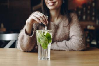 12 Mint Cocktails That Are Perfect for Chilling