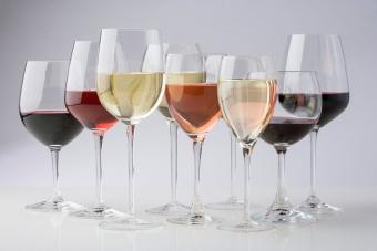 https://cf.ltkcdn.net/cocktails/images/slide/271237-850x566-wine-glasses.jpg