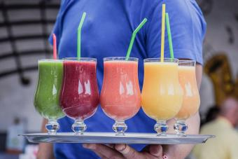 10 Frozen Alcoholic Drink Recipes: Icy Favorites to Enjoy Anytime