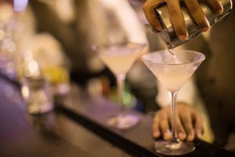 Dirty Martini Recipes: The Traditional and Filthy Variations
