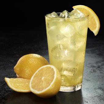 Iced lemonade with lemons