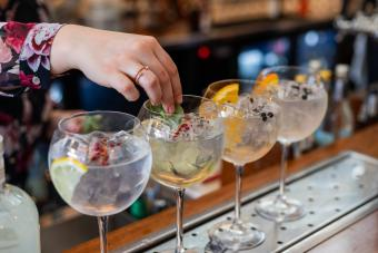 11 Most Popular Gin Mixers + Creative Twists