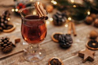 Easy Warm Spiced Apple Cider