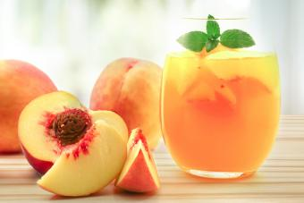 10 Vodka and Peach Schnapps Drinks With Amaretto for Added Fun