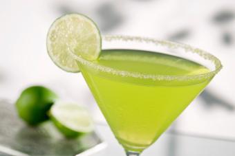 Apple Martini: Classic Recipe + Some Fun Variations