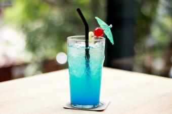 Blue wave cocktail
