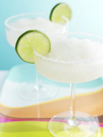https://cf.ltkcdn.net/cocktails/images/slide/280013-638x850-frozen-margaritas.jpg