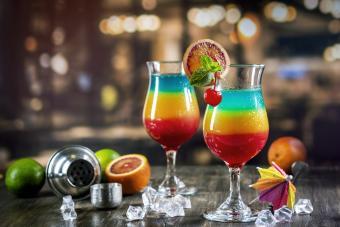 https://cf.ltkcdn.net/cocktails/images/slide/280033-850x567-rainbow-cocktail.jpg