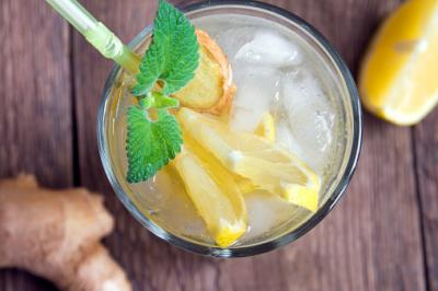 ginger lemonade cocktail