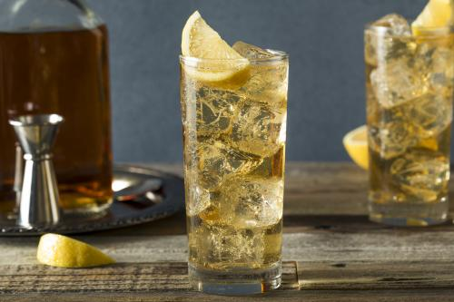 Scotch and soda highball