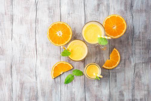 Orange-vanilla smoothies