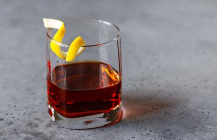 Cocktail with bitter and rye whiskey