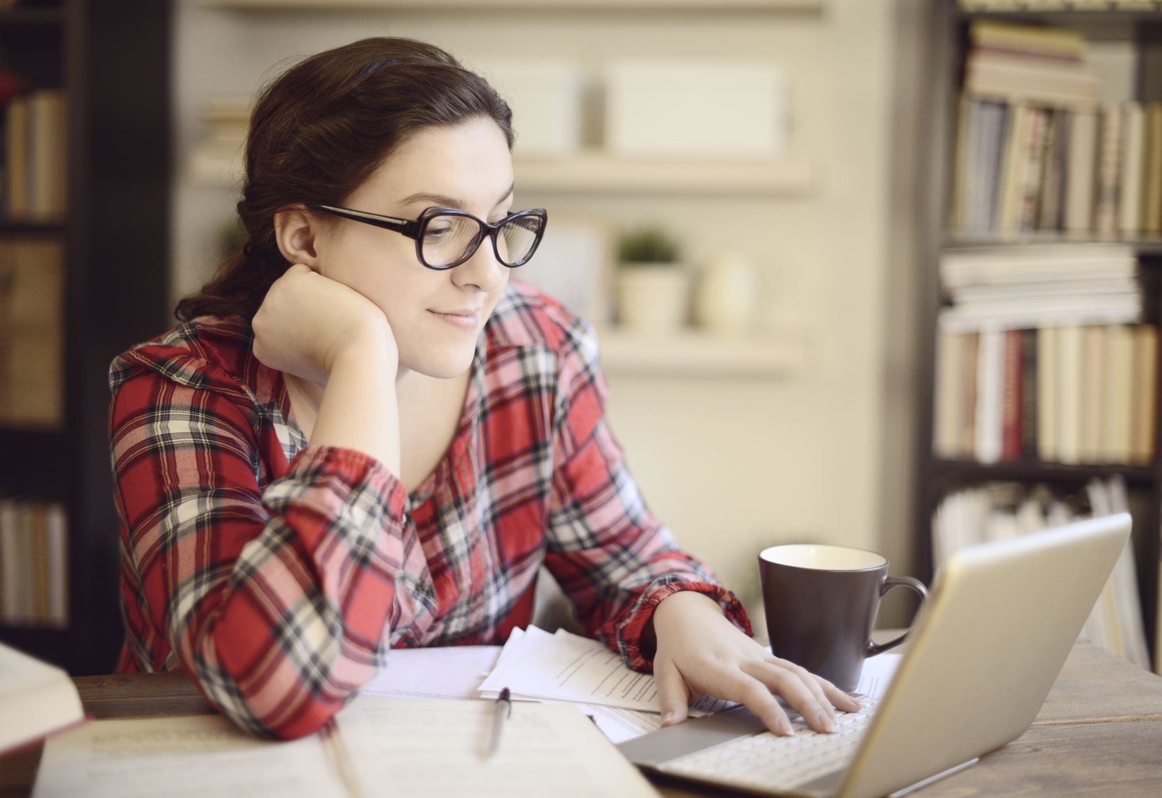 College Application Cover Letter Examples | LoveToKnow