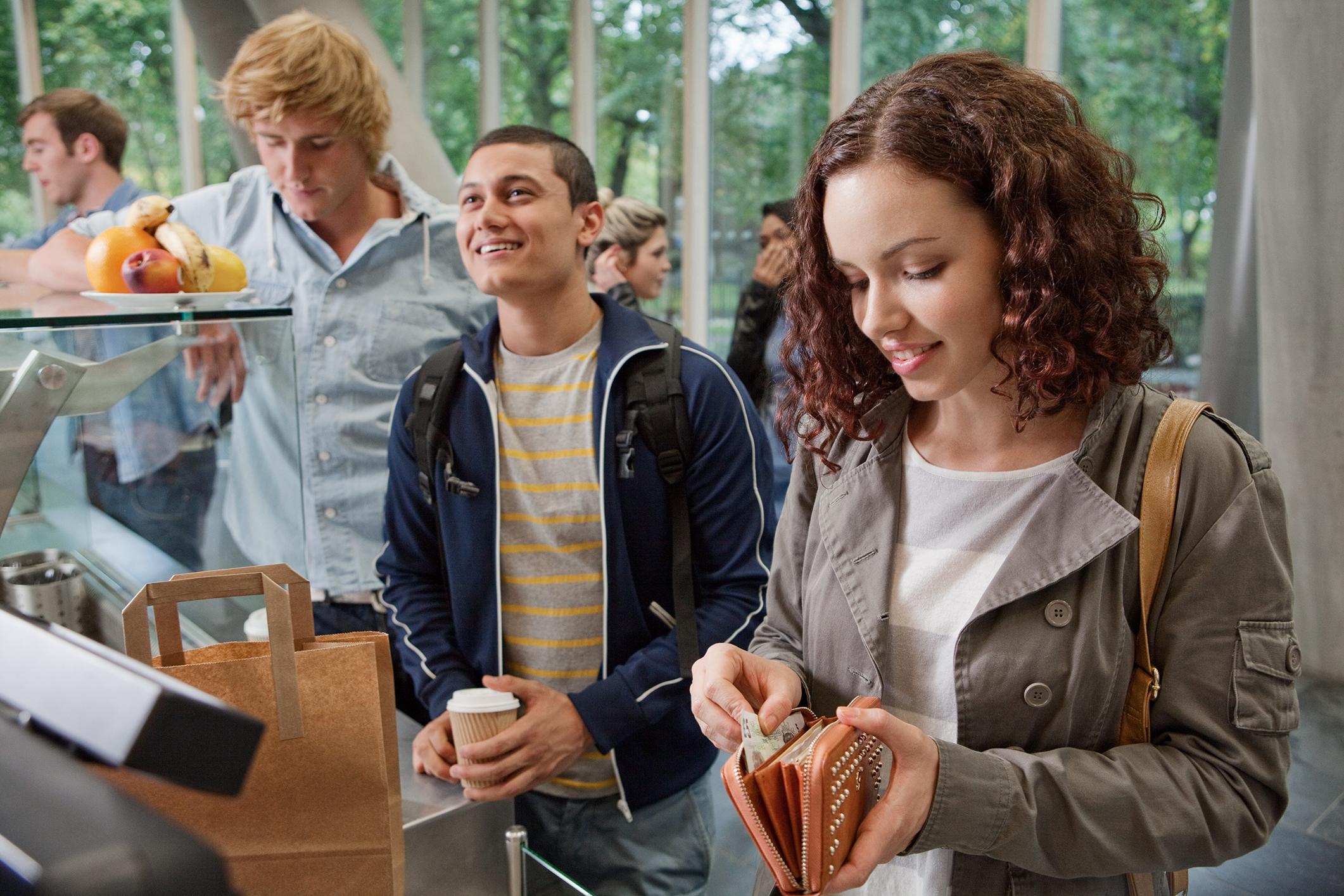 amount of spending money a college student needs lovetoknow