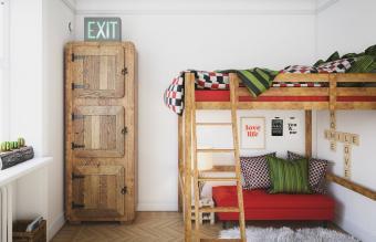 Small Cozy Dorm Room