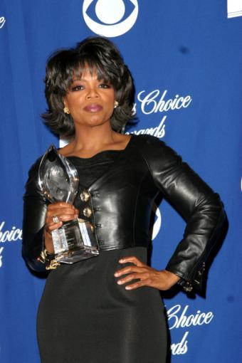 https://cf.ltkcdn.net/college/images/slide/90055-400x600-Oprah4.jpg