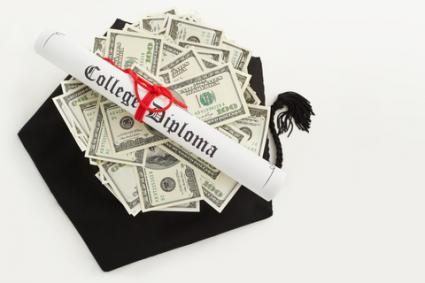 Graduation cap, college diploma and money; © Otnaydur | Dreamstime.com