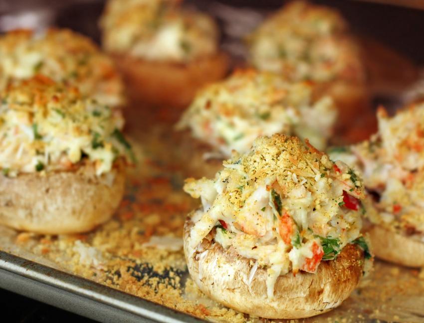 https://cf.ltkcdn.net/cooking/images/slide/202612-850x649-Crab-Stuffed-Mushrooms.jpg
