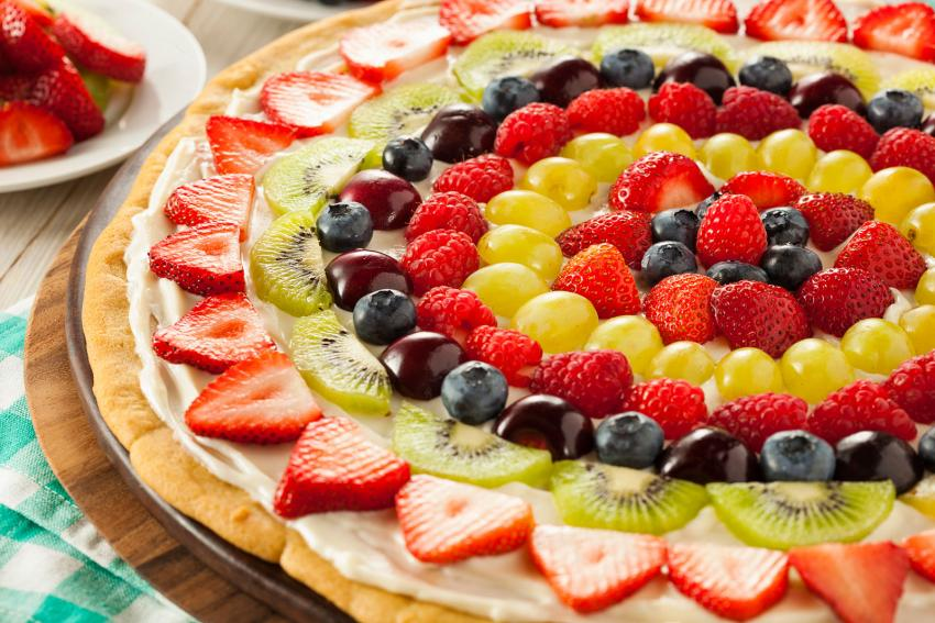 https://cf.ltkcdn.net/cooking/images/slide/204689-850x567-Breakfast-Fruit-Pizza.jpg