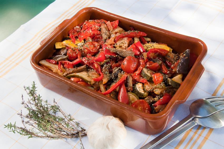 https://cf.ltkcdn.net/cooking/images/slide/257095-850x565-ratatouille.jpg