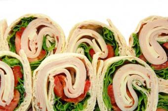 https://cf.ltkcdn.net/cooking/images/slide/151622-675x447-turkey-wrap.jpg