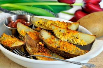 https://cf.ltkcdn.net/cooking/images/slide/151626-681x452-potato-wedges.jpg