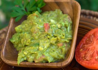 https://cf.ltkcdn.net/cooking/images/slide/152343-822x584-dip-guacamole.jpg