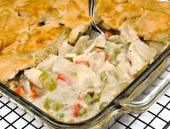 https://cf.ltkcdn.net/cooking/images/slide/152506-525x400-casserole12.jpg