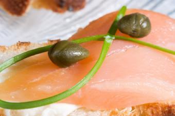 salmon canapé