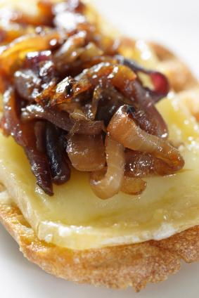 caramelized onions on bread with cheese