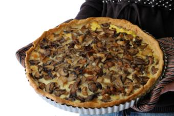 mushroom tart in puff pastry crust