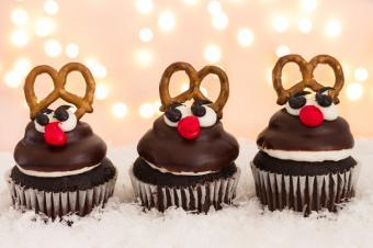 https://cf.ltkcdn.net/cooking/images/slide/166060-600x399-reindeer-cupcakes.jpg