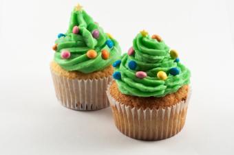 https://cf.ltkcdn.net/cooking/images/slide/166067-600x399-tree-cupcakes.jpg