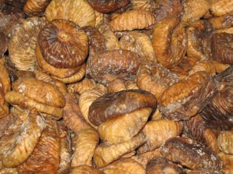 https://cf.ltkcdn.net/cooking/images/slide/166074-600x450-dried-figs.jpg