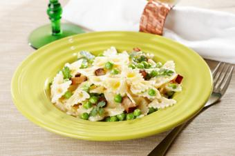 farfalle with peas