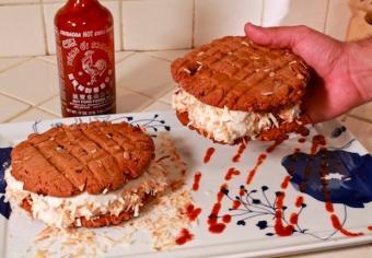 https://cf.ltkcdn.net/cooking/images/slide/200480-600x416-ice_cream_sandwich.jpg