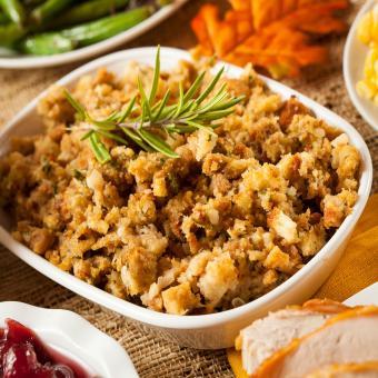 https://cf.ltkcdn.net/cooking/images/slide/202128-850x850-Thanksgiving-Stuffing.jpg