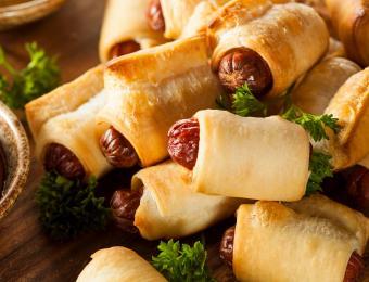 https://cf.ltkcdn.net/cooking/images/slide/202609-850x649-Pigs-in-a-Blanket.jpg