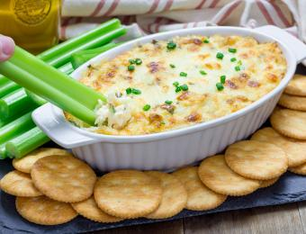https://cf.ltkcdn.net/cooking/images/slide/202615-850x649-Crab-Meat-Au-Gratin.jpg