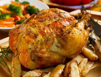 https://cf.ltkcdn.net/cooking/images/slide/203686-850x649-Roast-chicken.jpg