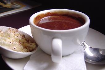 https://cf.ltkcdn.net/cooking/images/slide/204223-850x566-Cup-of-Hot-Chocolate.jpg
