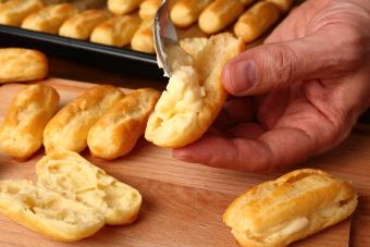 Filling the eclair