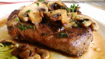 https://cf.ltkcdn.net/cooking/images/slide/257096-850x480-mushroom-steak.jpg