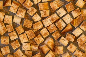 Biscuit Croutons