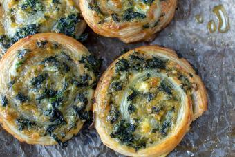Baked spinach pinwheel