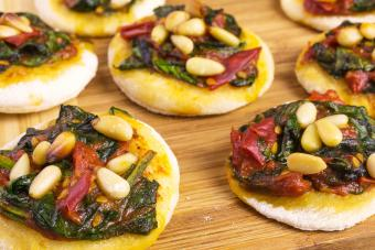 pesto spinach rounds