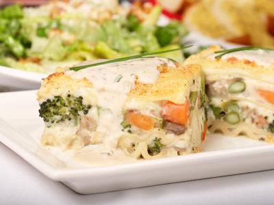 Lasagna_dinner.jpg