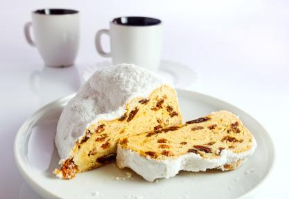 white fruitcake
