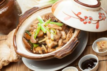 Chicken and ginger in a clay pot